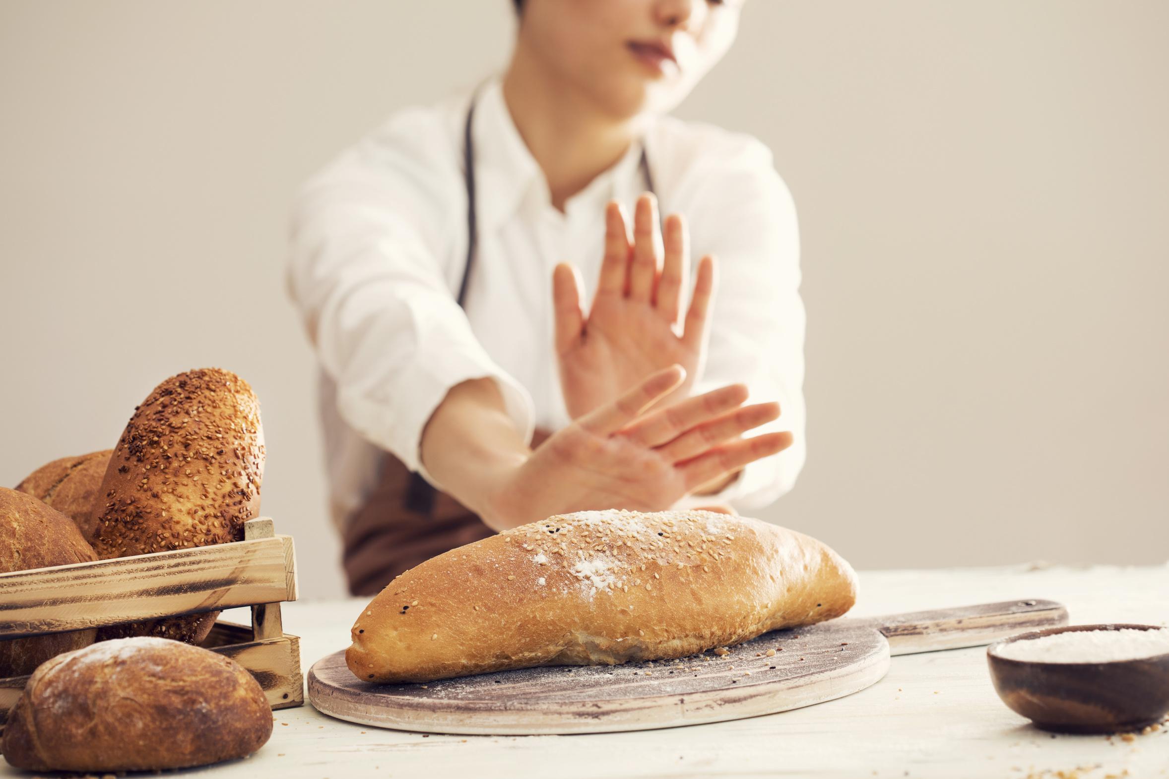 """Una vita senza carboidrati, la dieta """"miracolosa"""" che mette a rischio la salute"""