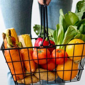 Endometriosi e alimentazione, quali cibi mangiare e quali evitare se si soffre di questa malattia